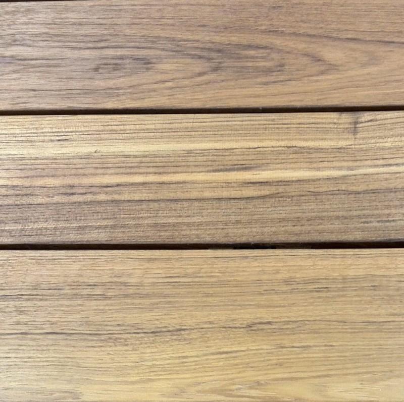 Teak dřevo